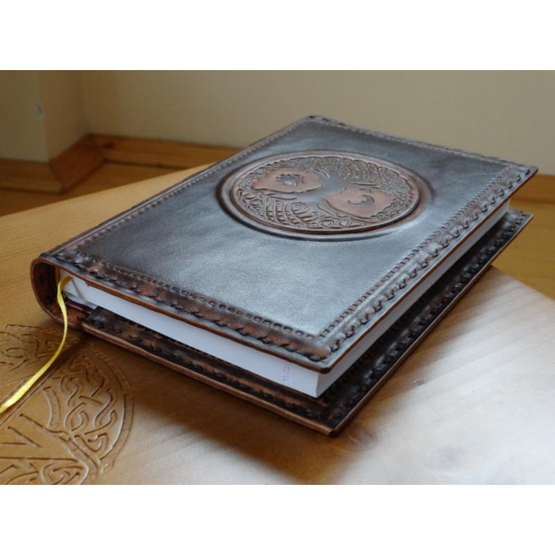"""""""Древо Жизни"""" обложка для дневников в стиле книга теней"""