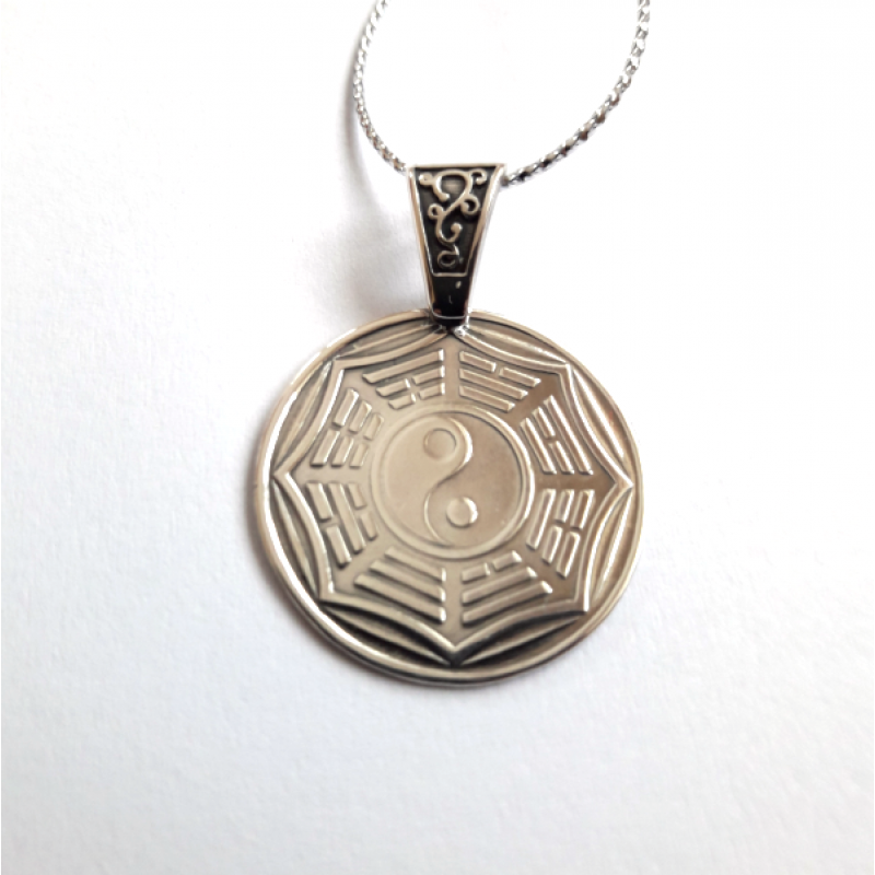 Инь-Ян и Ба-гуа восемь триграмм амулет-талисман серебряный